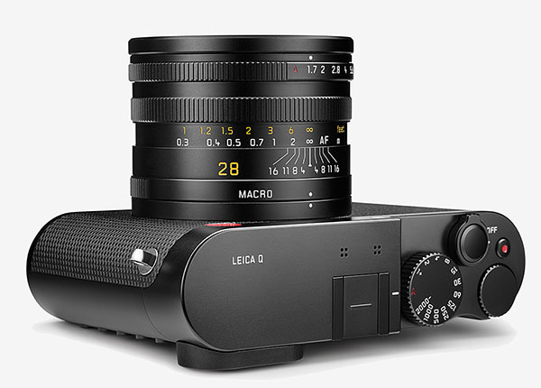 Leica Q - quarter view, top