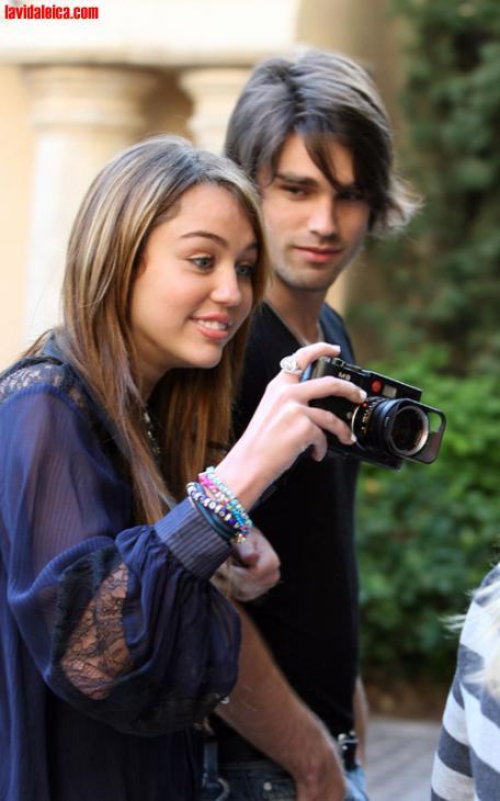 Miley Cyrus/Justin Gaston